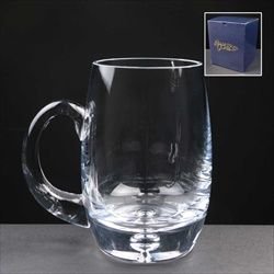 1pt Glass Tankard, engraved for a Best Man.